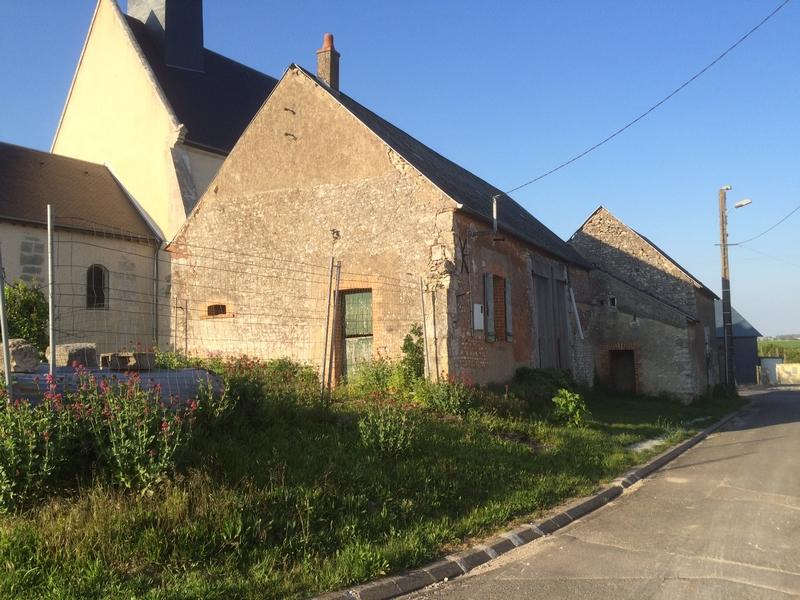 Huêtre1Bâti ancien à rénover en centre bourg